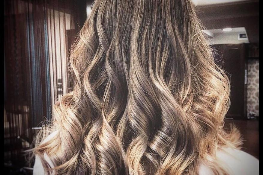 Ombre Balayaze Natural Blond Wavy Hair Όμπρε Μπαλαγιάζ Κυματιστό Φυσικό Ξανθό